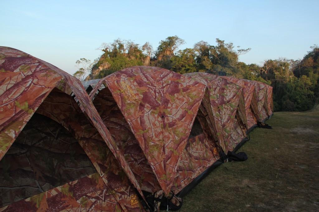เต้นท์มีสองขนาด 2 คน กับ 3 คน พร้อมหมอนผ้าห่ม ฟูก คุ้มที่สุด