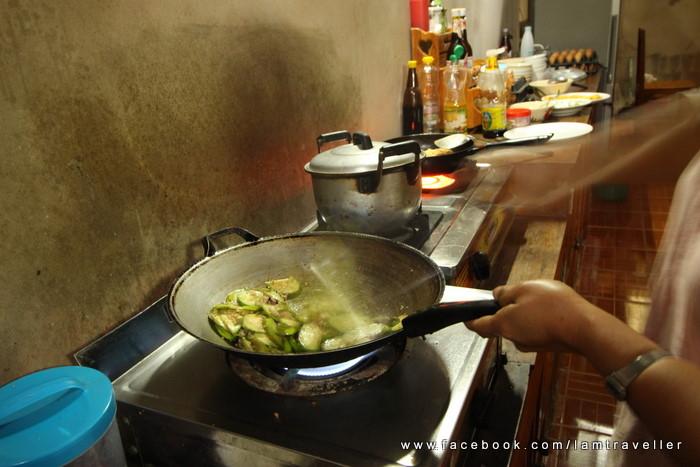 อาหาร แม่กำปอง (4)